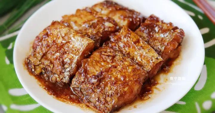 煎带鱼时,下锅前多做这一步很重要,煎出来不破皮,入味还没腥味