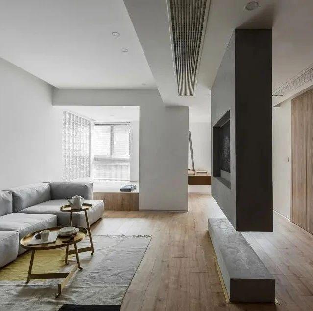 今日屋主丨一家三口的灰色调+木质150㎡简约住宅,清爽又易打扫!