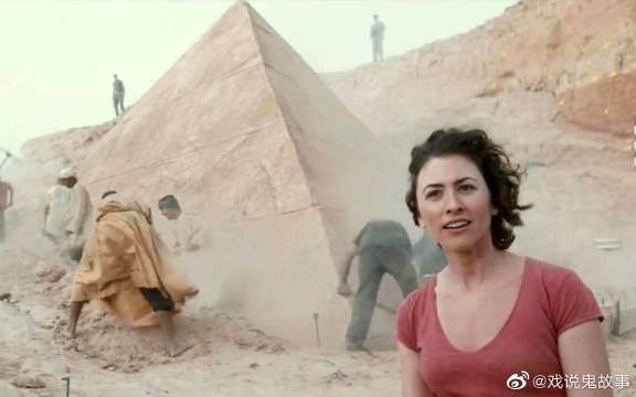 考古队挖掘金字塔,结果把远古死神挖了出来,哭都来不及了!