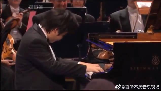 日本盲人钢琴家辻井伸行演奏李斯特《钟》……