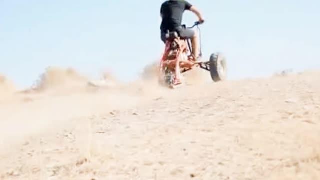 改装版履带轮驱动三轮越野车,减震棒、性能好,用来爬坡超带劲!