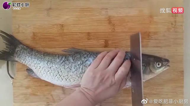 这才是草鱼最好吃的做法,鱼肉鲜嫩、做法简单,汤都剩不下