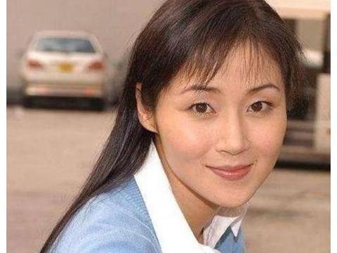 """她是""""第一腿模"""",跟甄子丹同居过4年,如今结婚20年却没孩子!"""