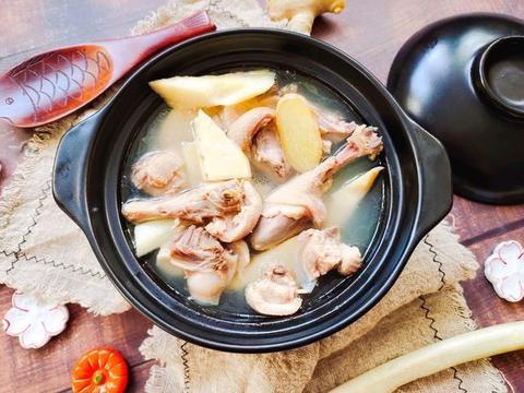 中秋,少吃点猪肉多吃它,和竹笋搭配做汤,除湿解毒还能滋阴养胃