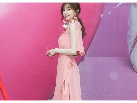 王心凌亮相线下活动,镜头拍到她的脸部状态,这确定是38岁?