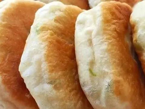 妈妈这样烙饼,不用揉面,筷子一搅,蓬松又暄软,比面包松软