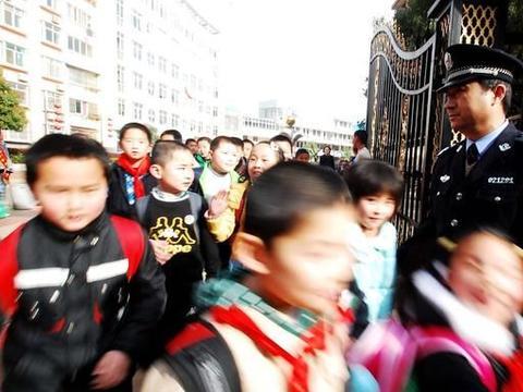 压实学校国庆、中秋安全责任,市教育局再添措施,确保稳定是重点