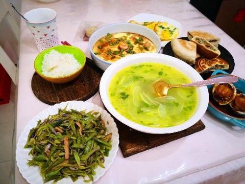 中秋节,70后两口的极简早餐,简单又营养,网友:认真生活真好