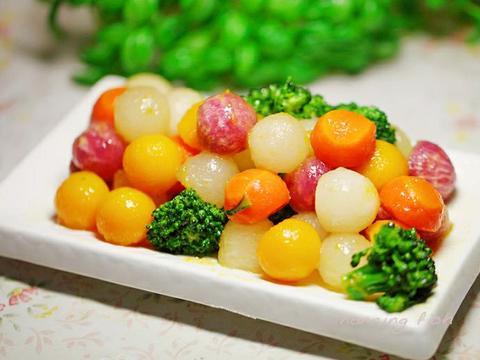 美食精选:炒五色蔬丸、西红柿烩丝瓜 、菠菜菜团