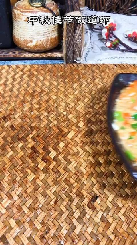 每年中秋节都会做这道蒜蓉开背虾……