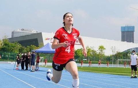 奇葩!游泳冠军比跑步,击剑冠军比跳绳,象棋选手3000米快走