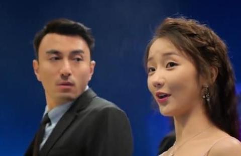 《蜜糖》原定女二是袁冰妍,拍了一周后离开,和罗云熙合影照曝光