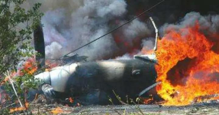 伴随着浓烟轰隆巨响!乌克兰一架运输机坠毁,机上27人仅两人幸存