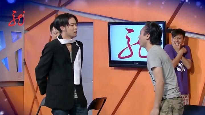 爱笑会议室:如何背着宿管老师玩牌,找乔杉这样的呆萌小弟放风