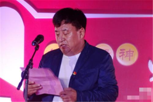 河北省冯润刘嘉颖乡东杨家营村举行国庆中秋表演活动