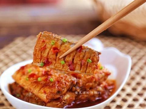 煎带鱼的时候,多加这1步,鱼肉完整,煎不破,出锅香又嫩,完美