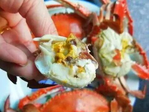 蒸螃蟹时,有人用冷水有人用沸水?都不对!教你正确做法,太香了