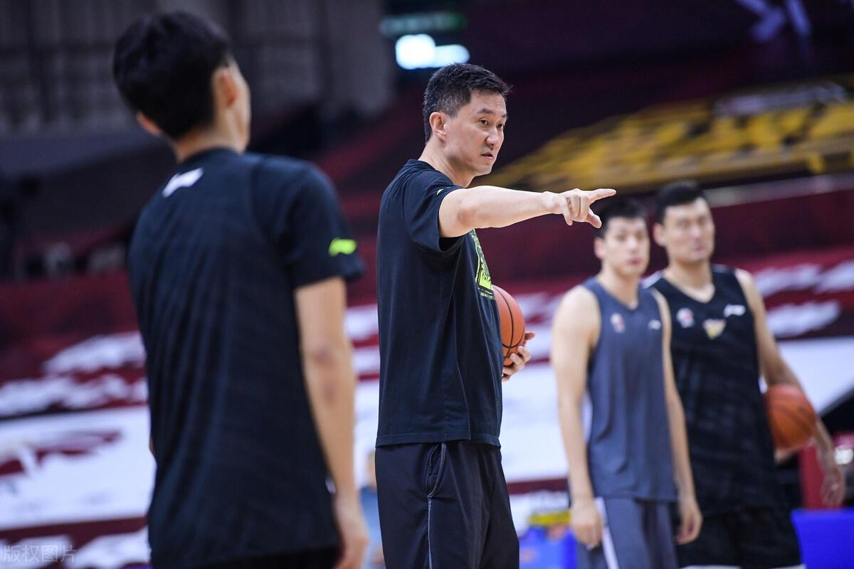 杜锋:国家队球员需求有爱国情操和奉献精神 落选赛要勇于亮剑