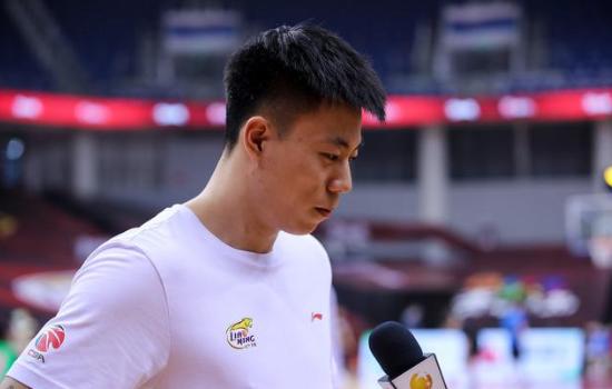 张镇麟就是辽宁男篮的首发大前锋,可以说这个消息令很多人都大吃一惊