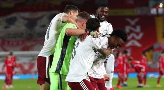 这场比赛对于阿森纳队来说是一大考验。结果在这样的不利局面中,阿森纳却取胜了