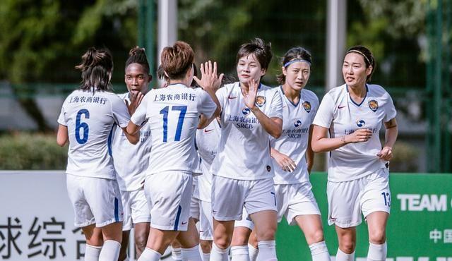 武汉女足迎新赛季首败,27分钟连丢3球,王珊珊惨遭外援戏耍