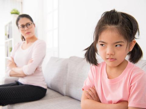 家长在4方面对孩子越严厉,孩子将来才更有出息