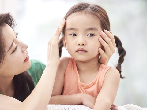 """怎样应对""""爱发脾气的孩子"""",3招有效应对爱发脾气的宝宝"""