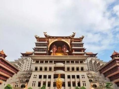 玉林云天宫,广西著名的景点之一,耗资20亿元建造