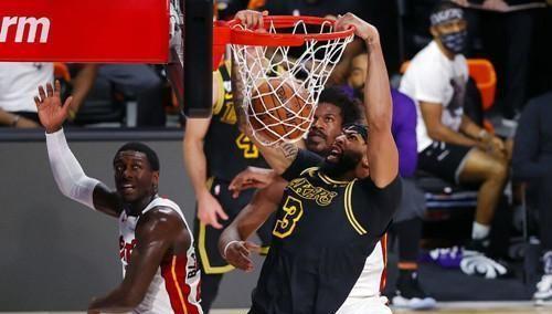 NBA总决赛第二场,洛杉矶湖人对阵迈阿密热火