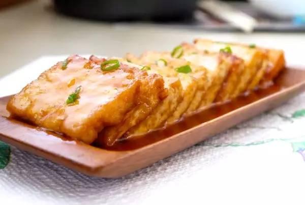 美食精选:糖醋脆皮豆腐、葱油海带丝、瘦肉炒韭菜花、清炒双丝