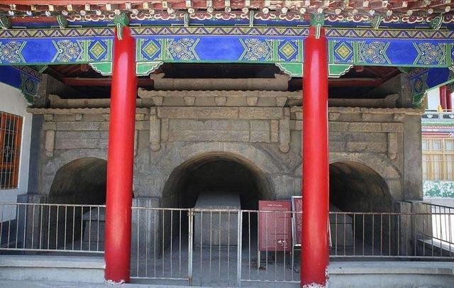 临潼博物馆有一个军马俑 为什么因为第一次出土