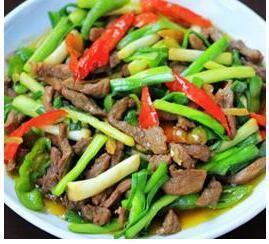 美食精选:蒜苗炒羊肉、椒麻鸡、辣爆肚丝、脆瓜炒海螺