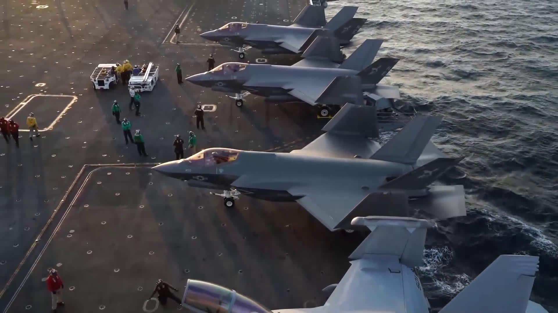 今年9月,美国海军F35C舰载战斗机从卡尔文森号航母起飞视频