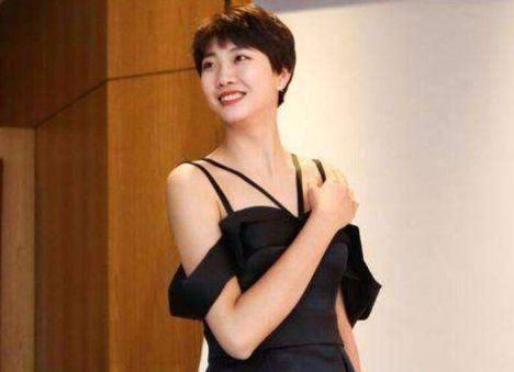 成为国家队主力副攻的袁心玥,正在卯足劲预备明年的东京奥运会