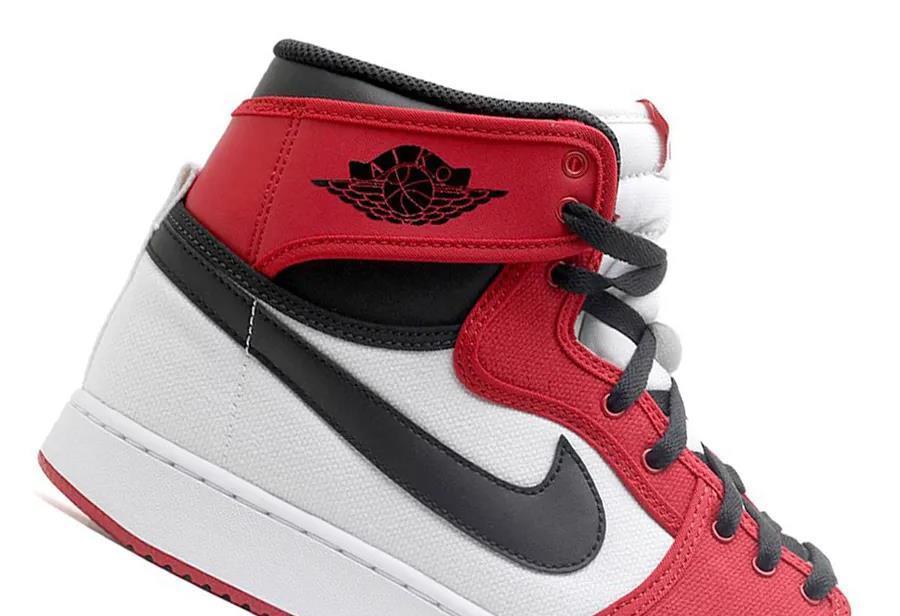 芝加哥、大闪电配色 AJ1 即将回归!鞋型竟然还是...