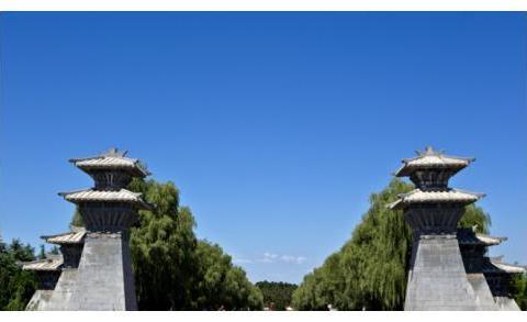 中国历史上著名皇帝之一,史称才兼文武,豁达有大度,汉光武帝陵