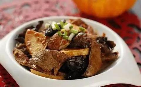 营养家常小炒:鱼香猪肝,洋葱炒鸡蛋,青椒榨菜炒鳝丝