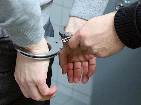宜章警方三小时抓获一名搭建伪基站嫌疑人