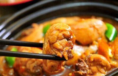 上海白斩鸡与黄焖鸡米饭,哪种吃法更好吃,论两者排名谁第一呢?