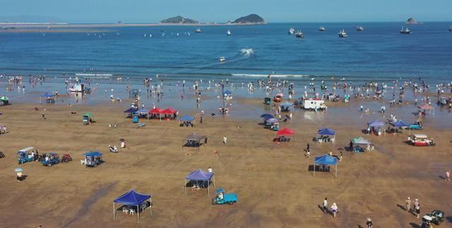 霞浦:高罗海滩成为国庆假期的出拳