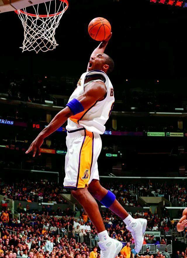 现在NBA总决赛湖人与热火的竞赛现已走完第四场了,现在湖人以3:1大比分领先于热火