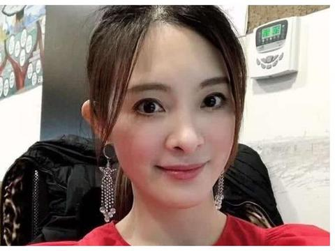 金钟奖悼念刘真,辛龙截屏保存妻子倩影,时隔半年未走出丧妻之痛