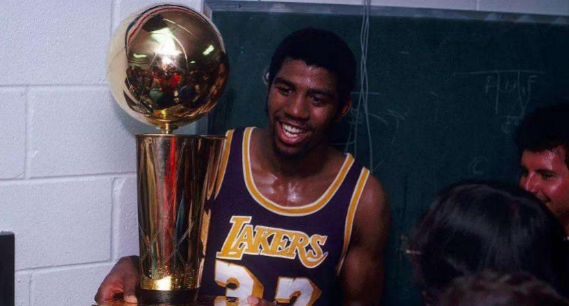"NBA历史FMVP榜:""湖人三将""并排第二,乔丹一枝独秀,科比无缘"