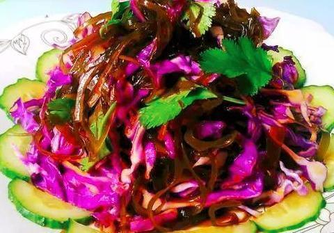 家常菜推荐:橄榄菜炒肉丁、海带拌紫甘蓝、酸辣炒韭菜的做法