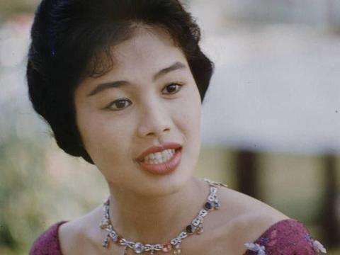 诗丽吉王后和莫尼列王后哪个更漂亮?看看相片再说吧