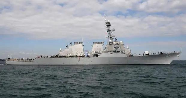 宙斯盾舰被撞残满血复活,美军南海再次发起挑衅,解放军果断驱离