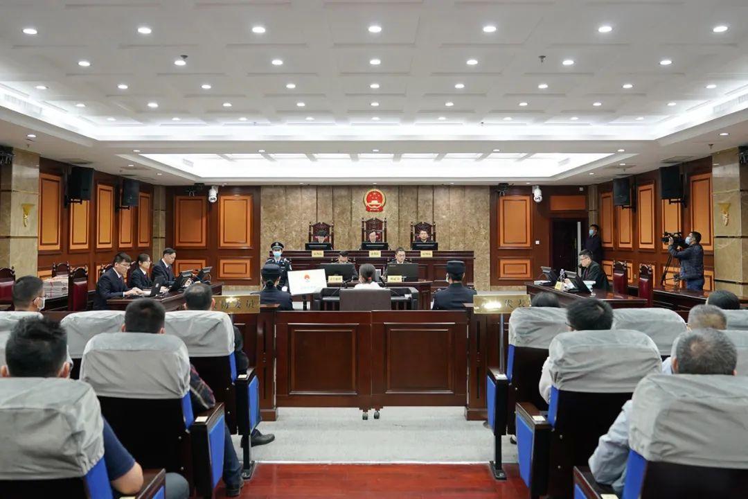 广西一县委书记被控受贿1300余万 一审开庭审理图片