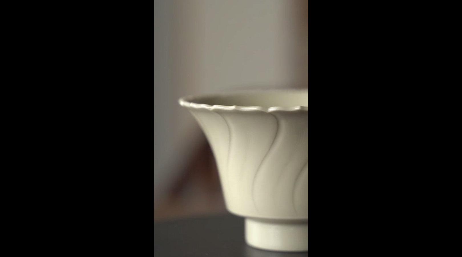 定窑莲口杯的制作过程,赏心悦目,感受手艺人的魅力。 千十弄