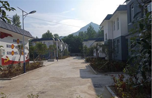 西峡县军马河镇:异地扶贫搬迁验收让贫困