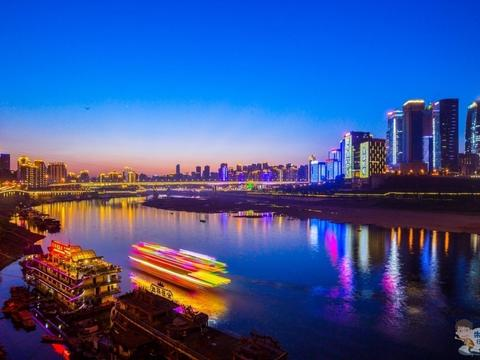 国庆重庆有多火?不用看景区游客人数,光火锅游客就吃了1000万桌